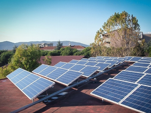 Impianto fotovoltaico per scuola media, Carrara.